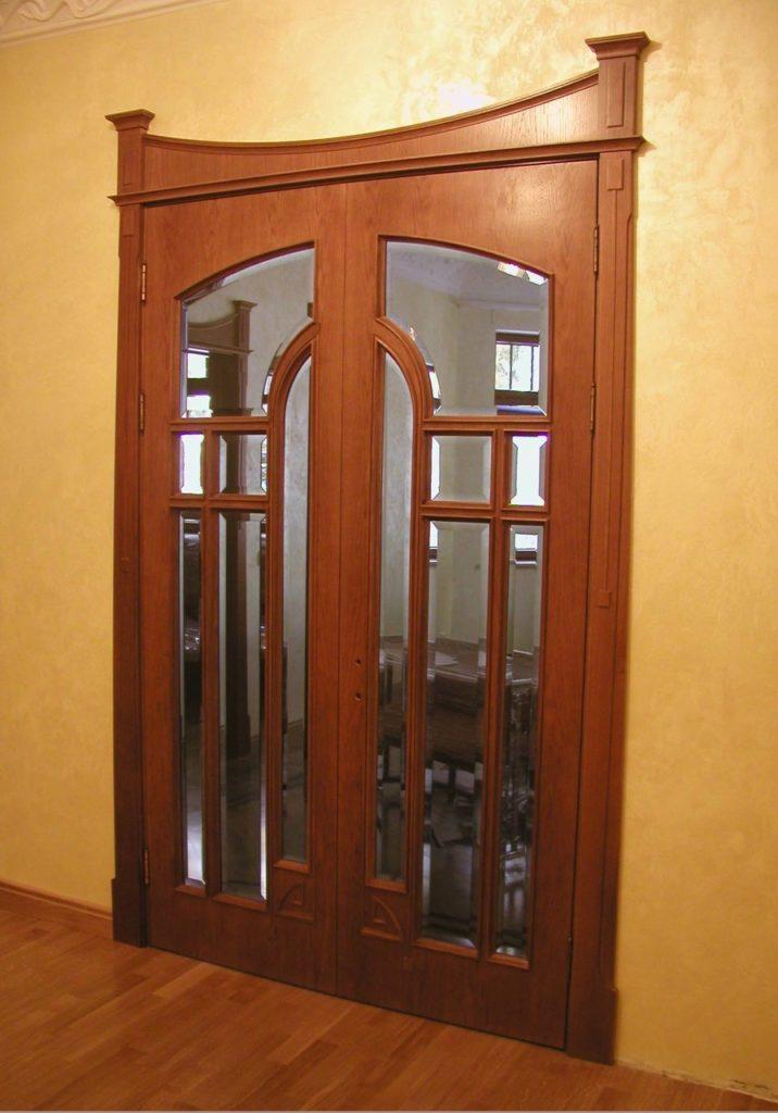 676 Демонтаж дерев'яних дверей