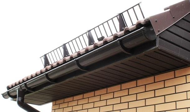 Снігозатримання на даху з профнастилу