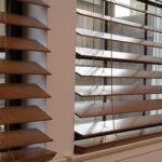 1807 Дерев'яні жалюзі на пластикові вікна