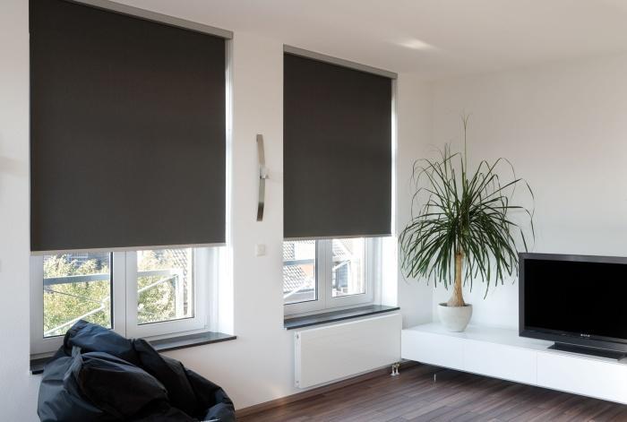 Кріплення рулонних штор на вікно