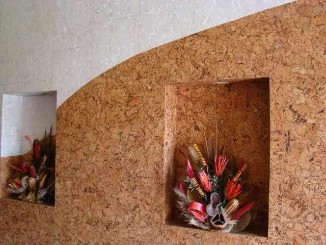 Коркове покриття будинку