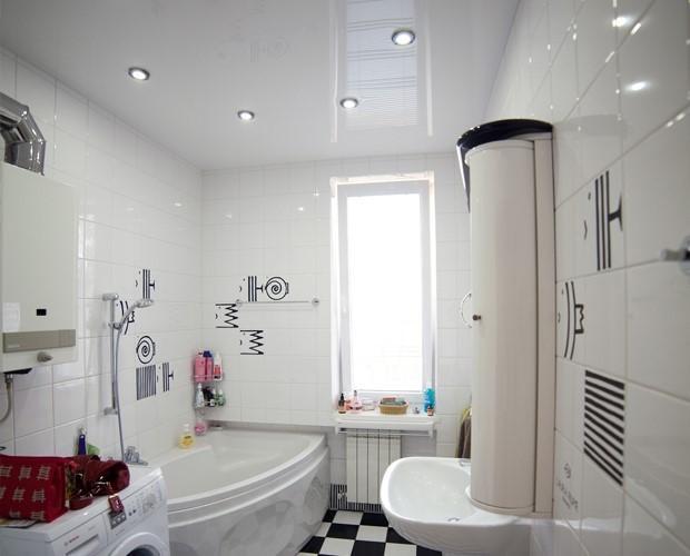 Стеля натяжна у ванній: практичність і вишуканість