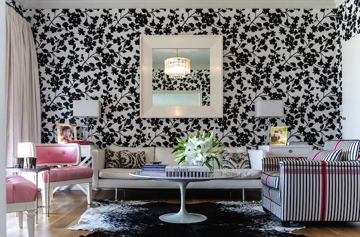 Поради та прийоми фарбування шпалер на стелі: особливості та етапи