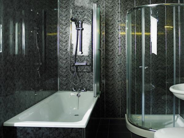 Пластикові панелі у ванній кімнаті
