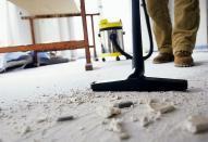 10558 Усунення дефектів і прибирання після фарбування стель