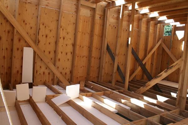 Як утеплити підлогу в каркасному будинку самостійно?