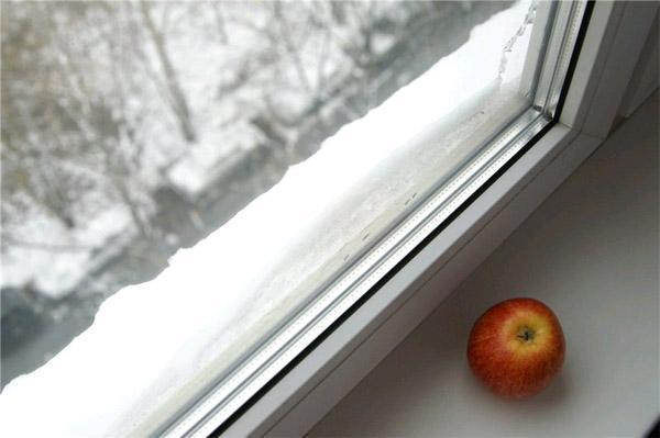 Утеплення пластикових вікон своїми руками без помилок