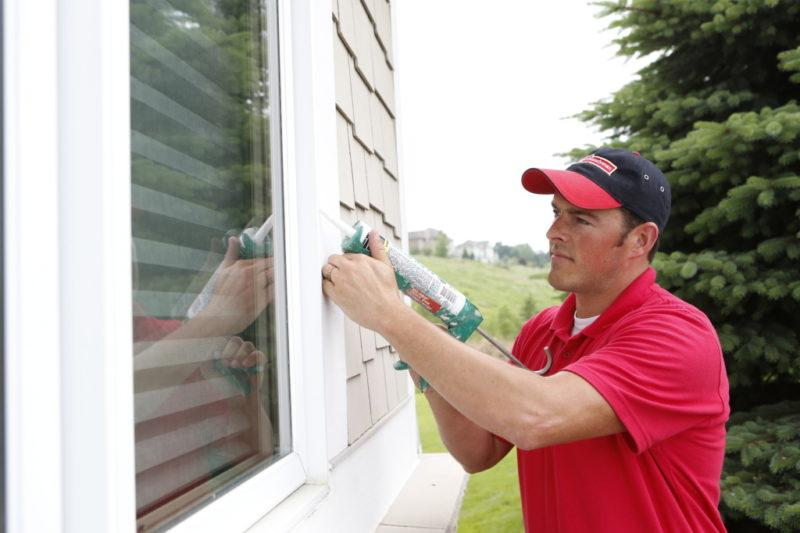 Як правильно провести самостійне утеплення вікон без помилок