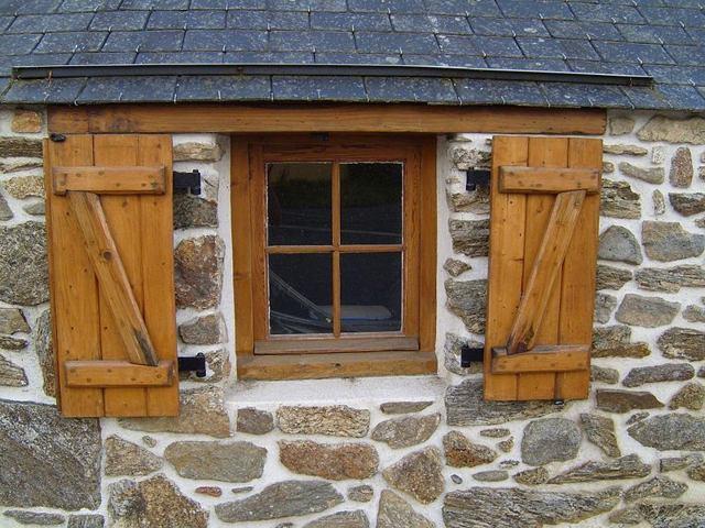 Все потрібно знати про утеплення дерев'яних вікон