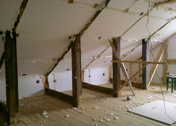Використання пінопласту для утеплення даху
