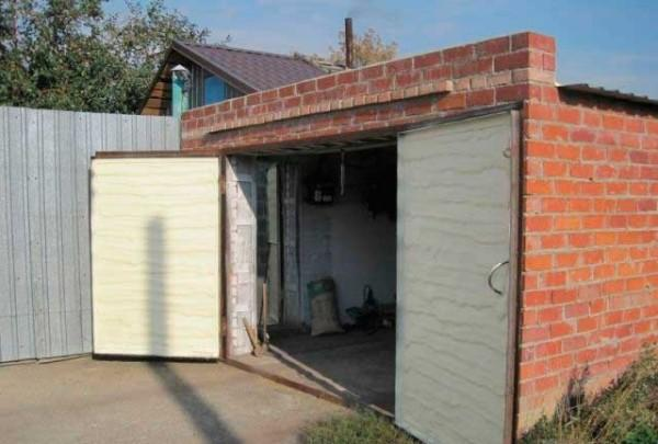 Як можна утеплити гараж і не переплатити?