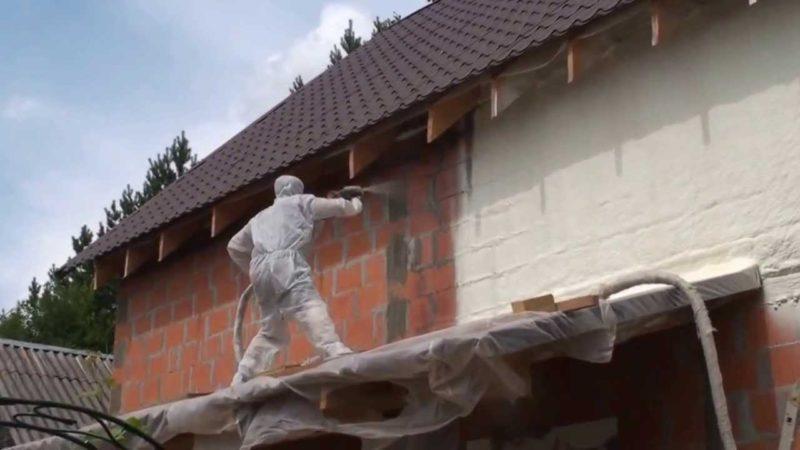 Як утеплити фасад в цегляному будинку?