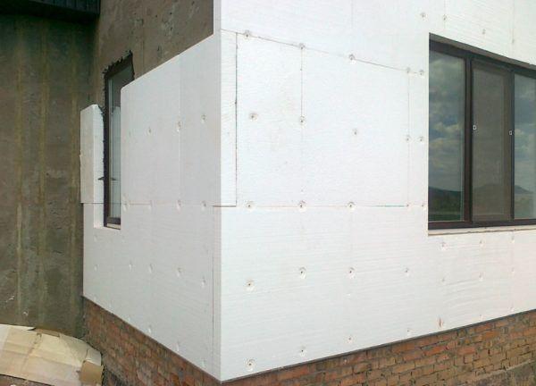 Утеплюємо фасад пінопластом – монтаж від і до