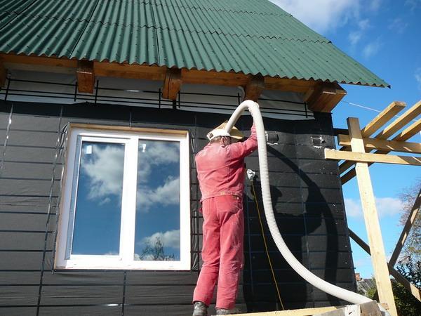 Як утеплити брусовий будинок своїми руками?