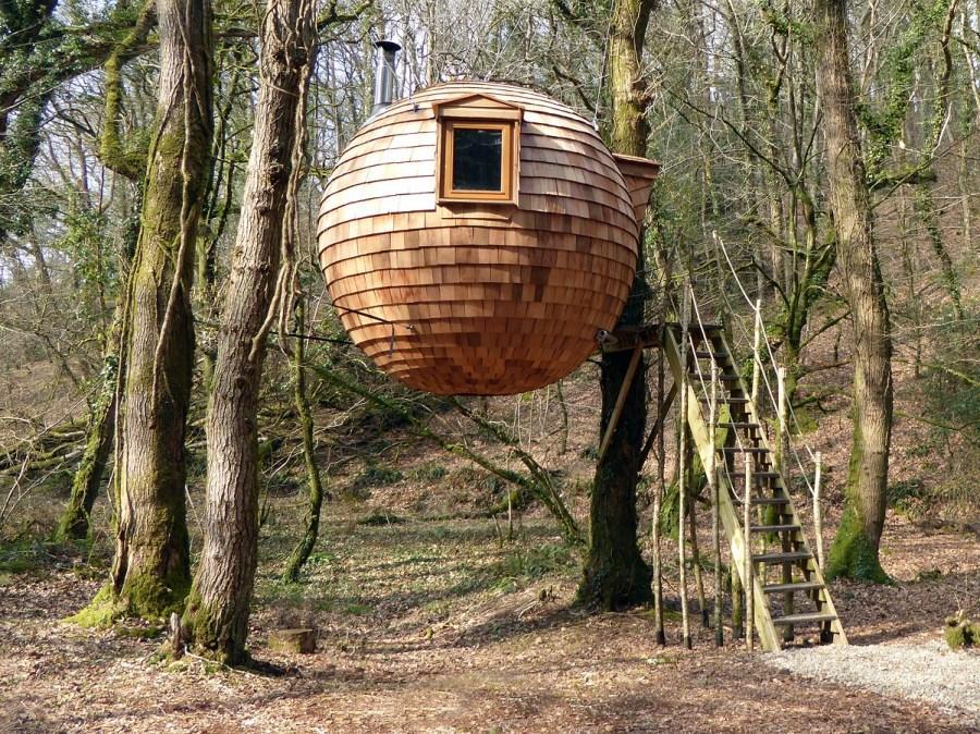 Будиночок на дереві крок за кроком — будуємо своїми руками