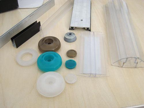 Комплектуючі для полікарбонату — важливі елементи при монтажі конструкції