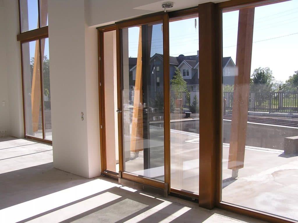 Як утеплити балконні двері самостійно?