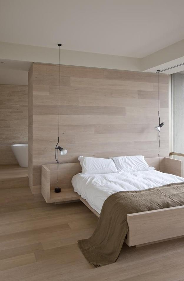 Фотография: Спальня в стиле Минимализм, Эко, Малогабаритная квартира, Квартира, Советы, Бежевый, Бирюзовый, Зонирование, как зонировать комнату, как зонировать однушку, как зонировать однокомнатную квартиру – фото на InMyRoom.ru