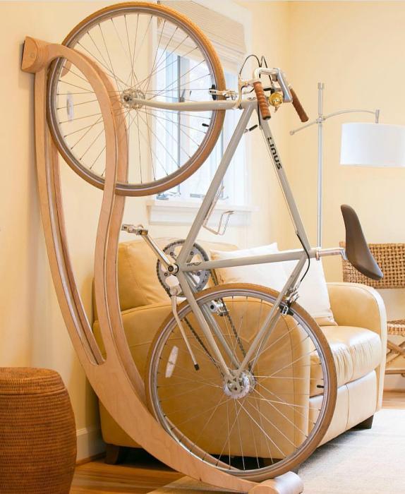 Интерьерная подставка для велосипеда. | Фото: Hihankis.ru.