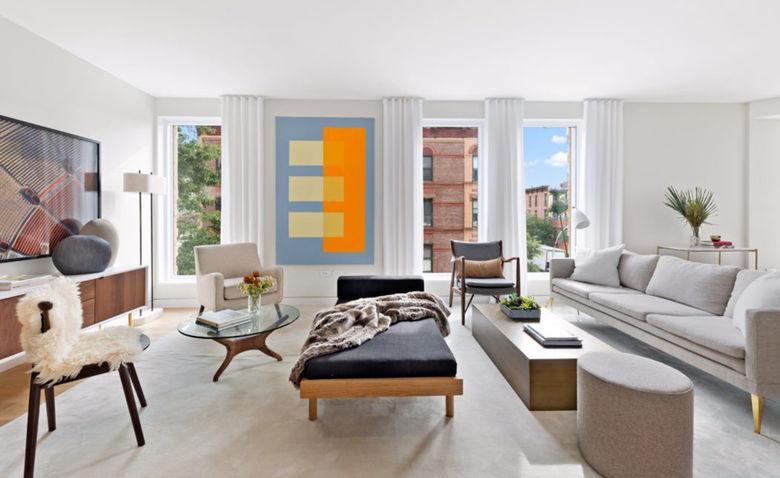 47925 Повітряний і теплий інтер'єр квартири в Нью-Йорку