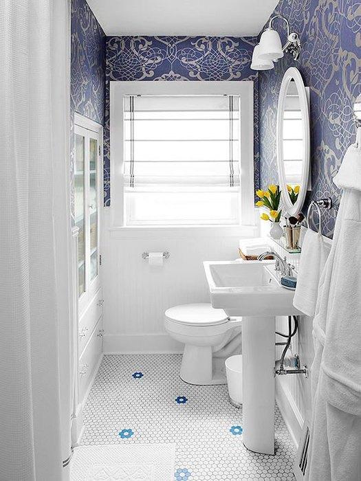 Глубокий синий цвет лучше использовать в гармонии с белым