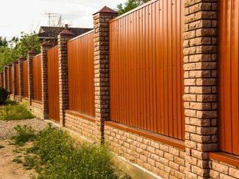 48997 Цегляний паркан для ділянки: особливості установки і експлуатації