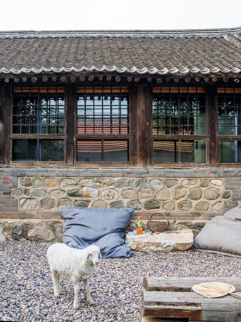 Обновленный интерьер старого дома в Китае