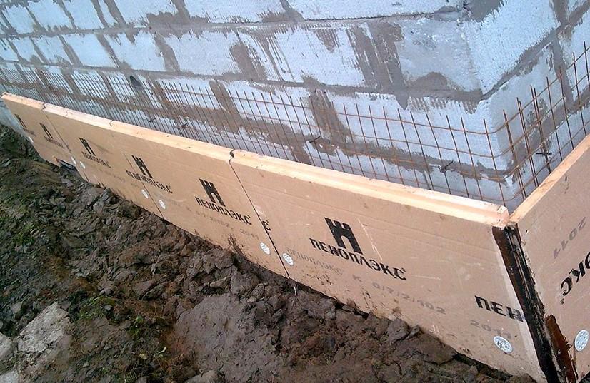 Фундамент пеноблочного дома: особенности обустройства опорных конструкций под здания