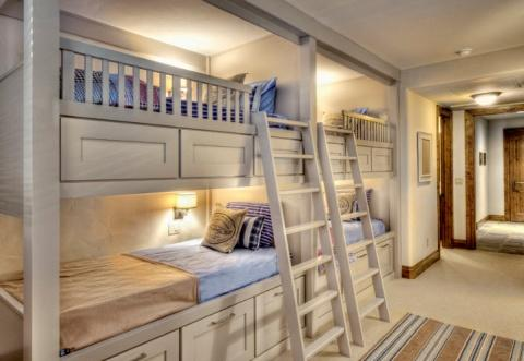 50489 Двухэтажные кровати в современном интерьере