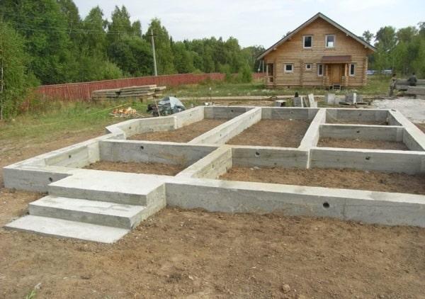 50300 Фундамент пеноблочного дома: особенности обустройства опорных конструкций под здания