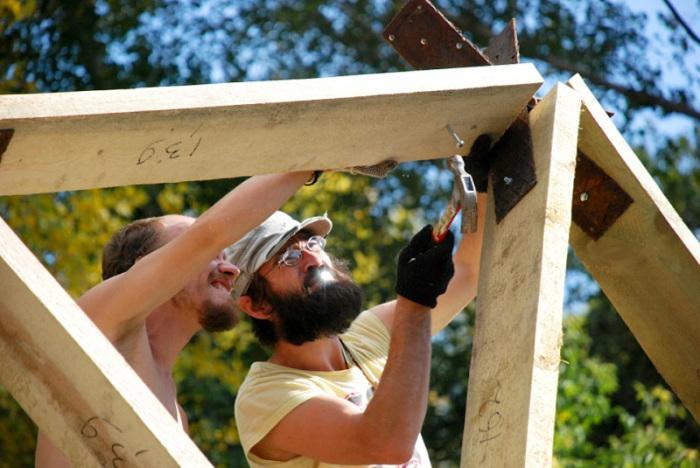 Самостоятельная постройка купольного дома. | Фото: greenplaneta.org