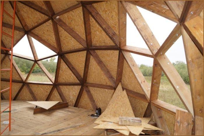 Обрезание фанеры увеличивает количество строительных отходов. | Фото: stroicod.ru