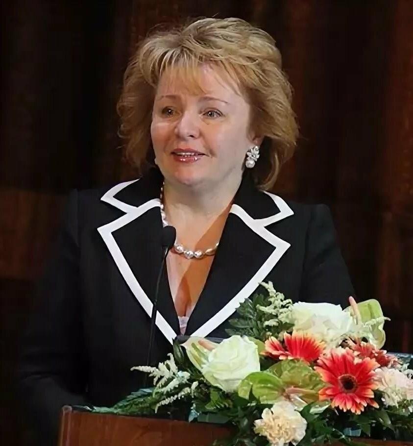 52462 Какой недвижимостью владеет бывшая жена президента Людмила Путина