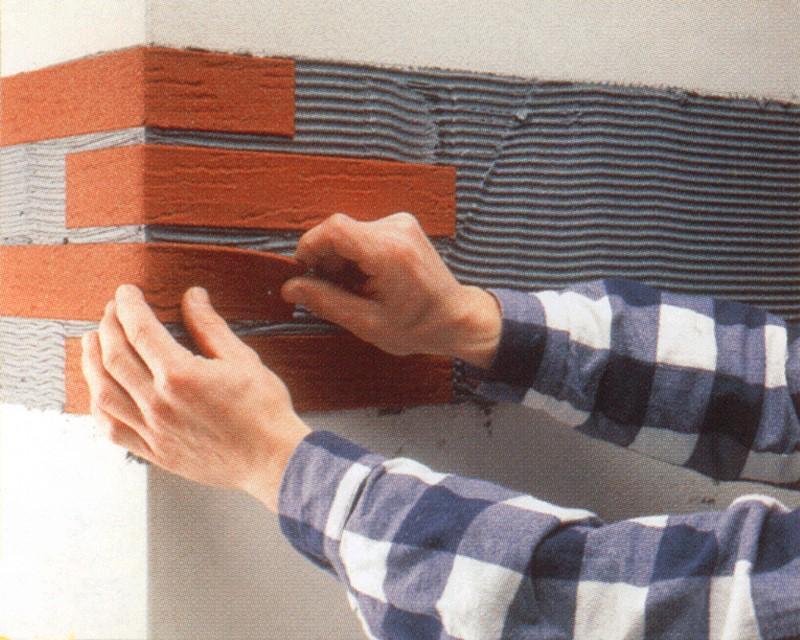 Декоративная плитка под кирпич для внутренней и наружной отделки: разновидности и порядок укладки